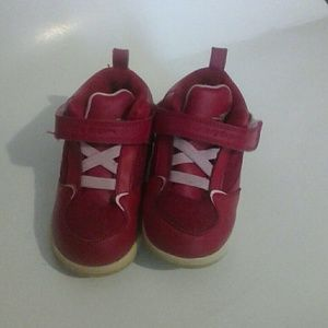 red jordans shoes for girls